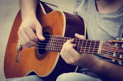 Gitarre spielen stärkt Gedächtnis